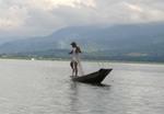 ミャンマー、インレー湖のインダー族