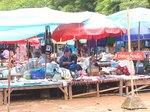 ラオス、ルアンパバーンのモン族のマーケット